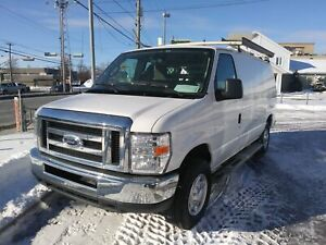 Ford Econoline Cargo Van E-250 Commercial Racking complet