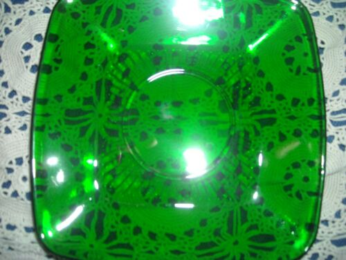 Anchor Hocking Dark Emerald Green Depression 7 3/4 inch Serving Bowl