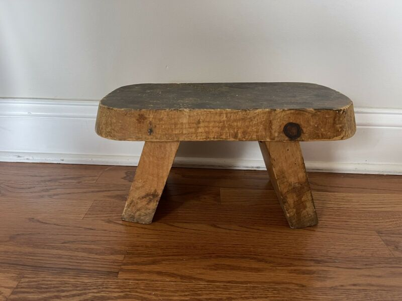 Antique vintage primitive wood milking Foot stool bench Farmhouse Footstool