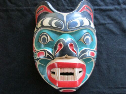 CLASSIC NORTHWEST COAST DESIGN, LARGE CARVED MASK, GRIZZLY EFFIGY  WY-0521*05464