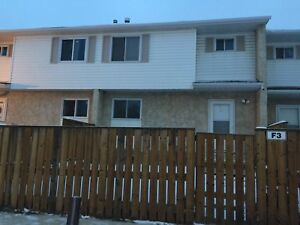 FREE RENT! Amazing VALUE for this 3 bed, 1 bath Townhouse!