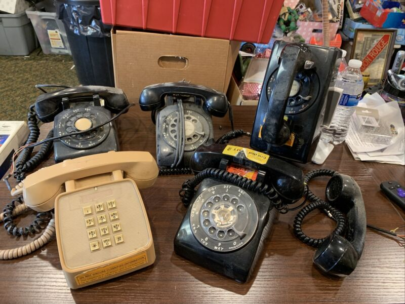 Lot of 5 Vintage Bell System Rotary Phones GTE Touchstone & More