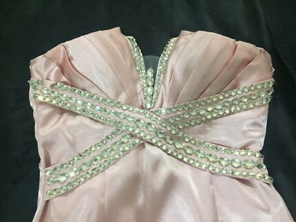 PINK STRAPLESS FORMAL DRESS Mount Cotton Redland Area Preview