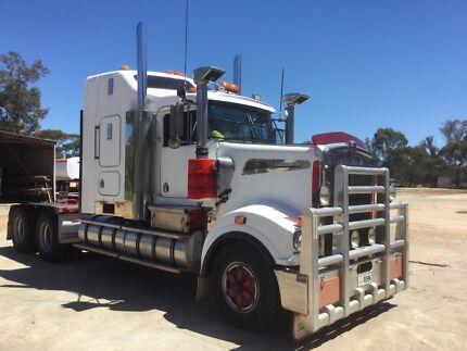 Kenworth T908 prime mover