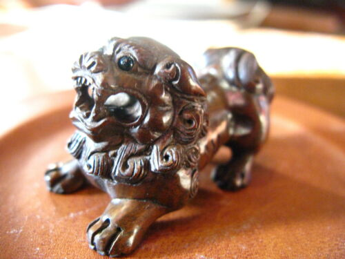 Vintage Antique Japanese Netsuke BoxWood Hand Carved Foo Dog No.2