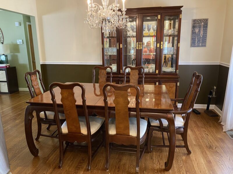 8 pc Elegant Dining Table Set~Expands 6' to 8'. China Cabinet~Formal Dining Room