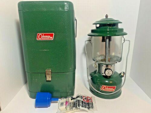 Vintage 1972 Coleman 220F Dual Mantle Adjustable Gas Lantern w/ Metal Hard Case