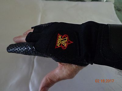 AMCO BOWLING GLOVE-RIGHT HAND LARGE