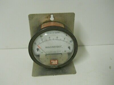 Dwyer Magnehelic Series 2000 Differential Pressure Gauge 0-10 Of Water 2010