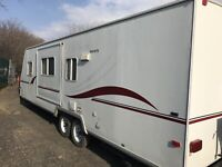 29 FOOT TRAILER CAMPER  TIP OUT  $8400 London Ontario Preview