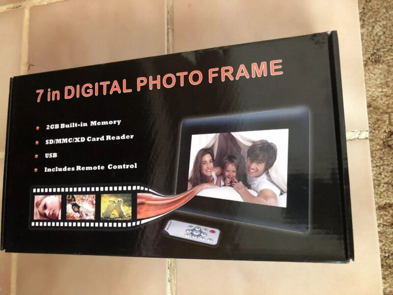 """7"""" Digital Photo Frame with LED Screen, remote, 2GB and more!"""