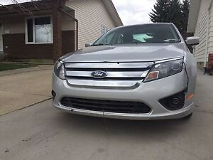 Ford Fusion 2010 low km !!!