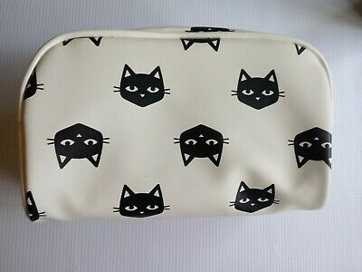 Faux Leather Cat Graphic Makeup Bag. New with Tag.](Cat Makeup)