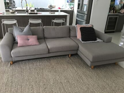 Lounge - 5 seater only 6 months old. Paid $2,750