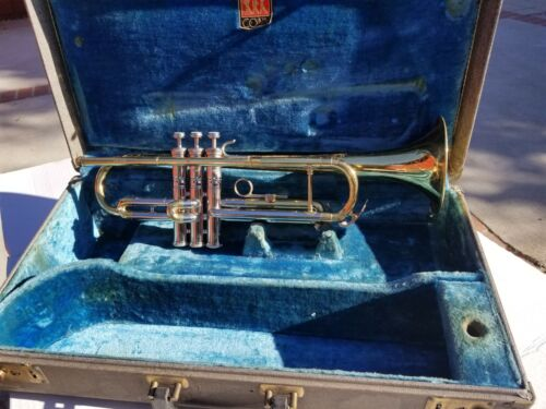 1959 CONN VICTOR Bb TRUMPET ALL ORIGINAL FINISH WITH CASE.