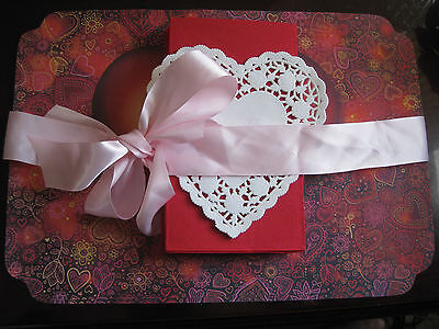 VALENTINE DAY HEART RED PINK LOVE PAPER PLACE MAT 12 SETS NAPKIN DOILIES 36 PCS](Pink Paper Doilies)