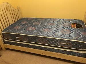 Twin bed mattress  and box