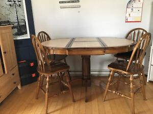 Bar height Kitchen table and 6 chairs