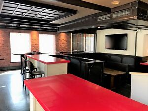 MOVE-IN READY Ideal Downtown Location for Bar & Grill/Pub