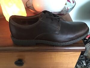Men's size 16 dress shoe business casual