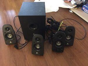 Surround sound soeaker