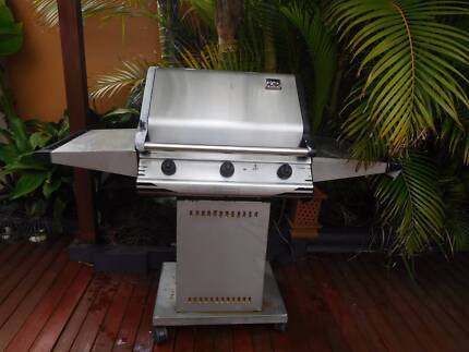BBQ 3 Burner Gas - good condition, includes cover Phillip Bay Eastern Suburbs Preview