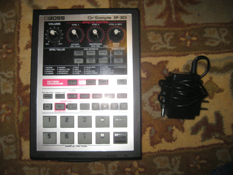 BOSS SP-303 Sampler