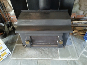 Wood Stove (Pipes included)
