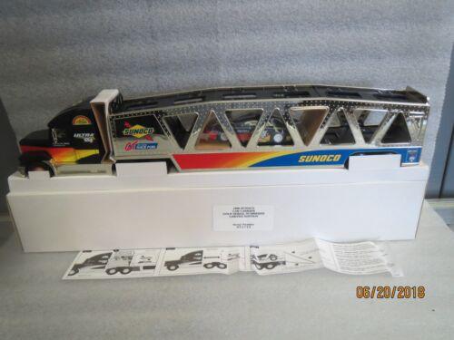 Sunoco-Truck-1999-GOLD-EDITION-CAR-CARRIER-Mint in Original Shipper Box