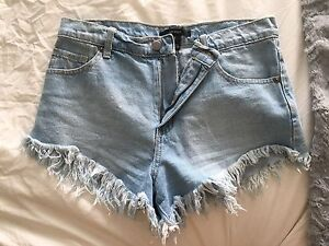 High waisted Jean shorts - Levi's and Forever 21
