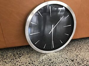 Freedom Furniture Clock Shoalhaven Heads Shoalhaven Area Preview