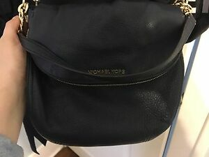 Michael kors navy crossbody