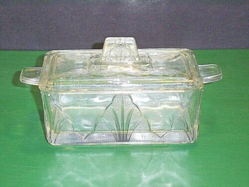 Made In England Clear Glass Lidded Refrigerator Dish  ****