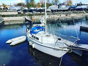 Hurley 24/70 sailboat Perfect full live aboard pocket cruiser!