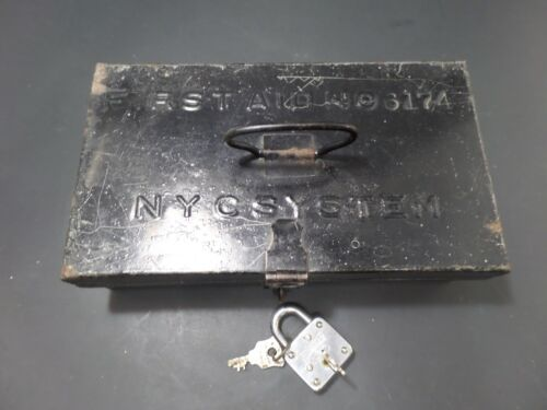 VINTAGE METAL RAILROD NYC SYSTEM NO.6164 FIRST AID KIT W/ SUPPLIES / INSTRUCTION