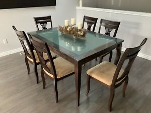 8 piece Dining room set 6 chairs