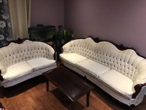 Victorian 2pc sofa set with center table