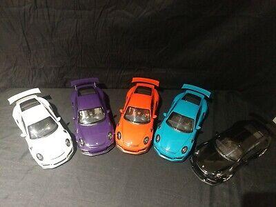 1:18 AutoArt Porsche 911GT3 RS Bundle