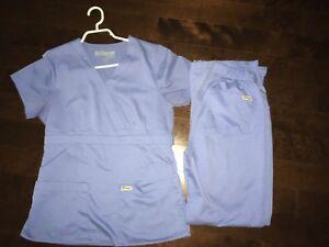 Uniforme soins infirmiers bleu pâle
