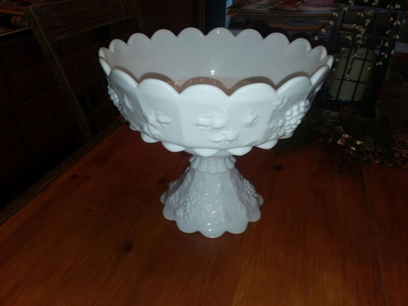 Vintage WESTMORELAND Paneled Grape Punch Bowl w/base- Rare Straight paneled!!