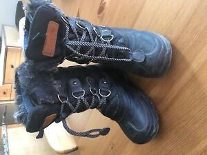 Size 1 youth winter boots