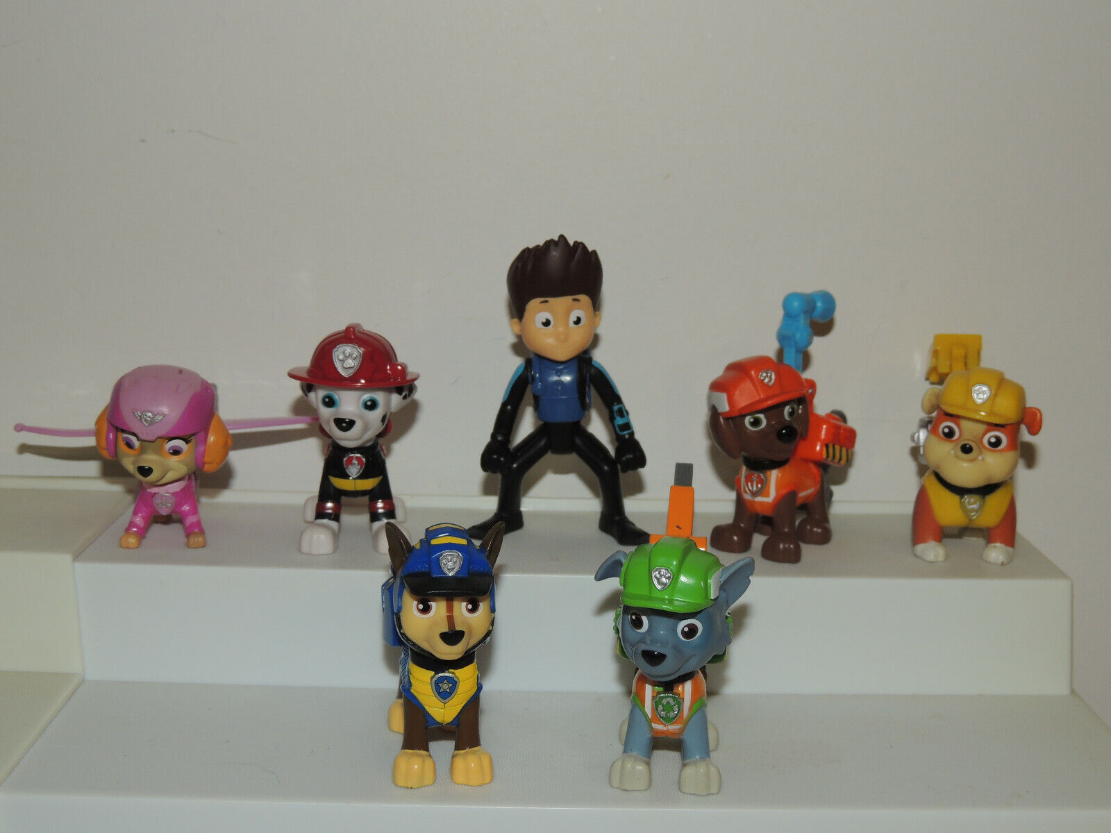 Lot of Paw Patrol Pups Toy Action Figures Chase Skye Ryder M