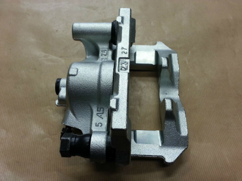 Genuine OEM Lexus IS220D/IS250 O/S Drivers Side(RHD) Rear Brake Caliper
