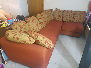 L shape couch lounge Kingswood Penrith Area Preview