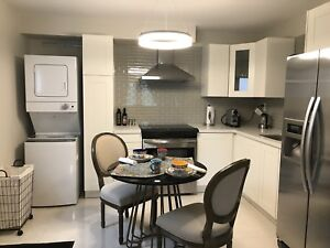 Bright Main Floor 1 Bed Apartment / Newmarket's Best Location