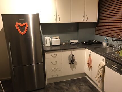Furnished Room available in Essendon
