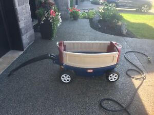 Little Tikes Ride & Relax Wagon-converts to bench, drink holders