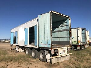 TRI AXLE REFRIGERATED TRAILERS
