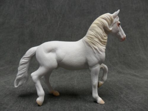 CollectA NEW * Camarillo White Horse * 88876 Breyer Corral Pals Model Horse