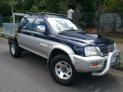 2004 turbo diesel 4x4 Mitsubishi Triton 5 speed manual 215000km